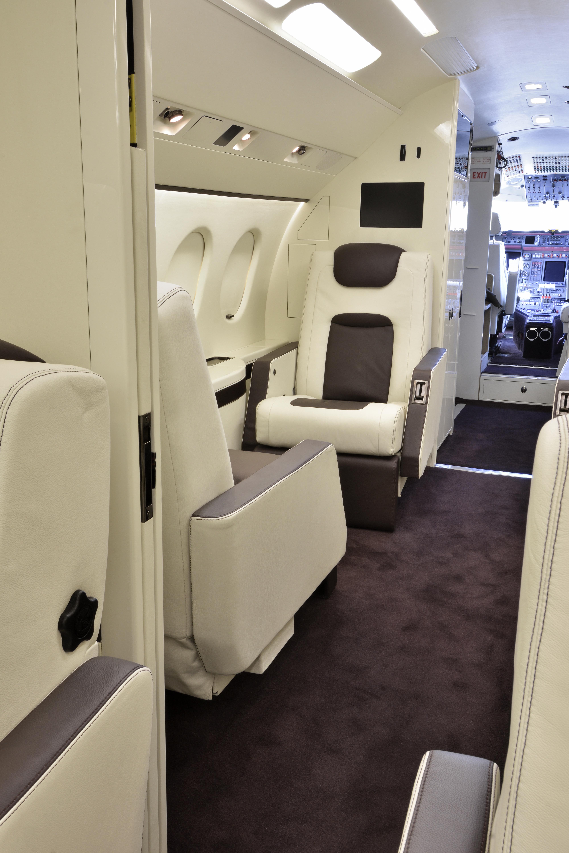 Falcon 900EX Interior 028