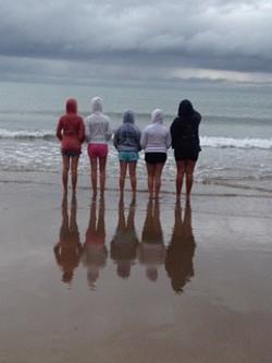 girls sea