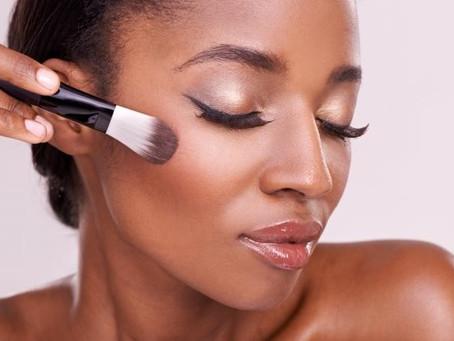 Comment appliquer un maquillage naturel sur une peau noire ?
