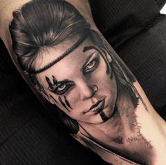 Mujer guerrera tattoo