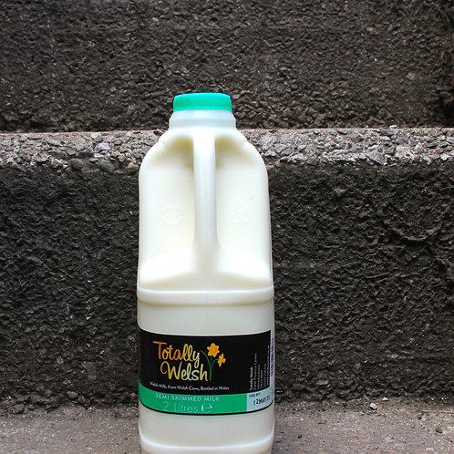 Semi-Skimmed Welsh milk 2 litres