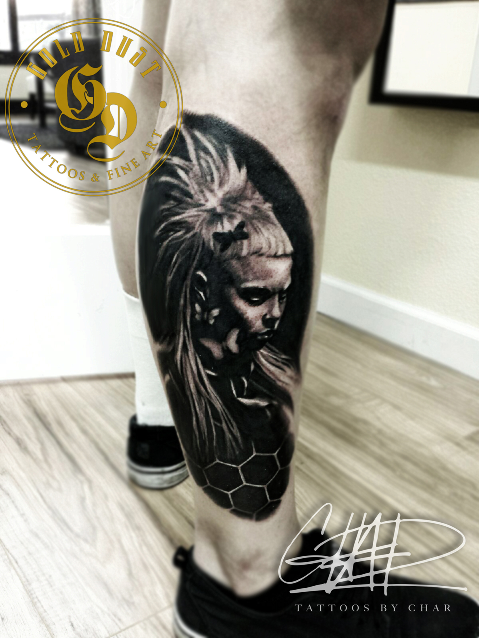 img alt=Char_mcgaughy_golddusttattoos_ black and grey_tattoos_dieantword_yolandi