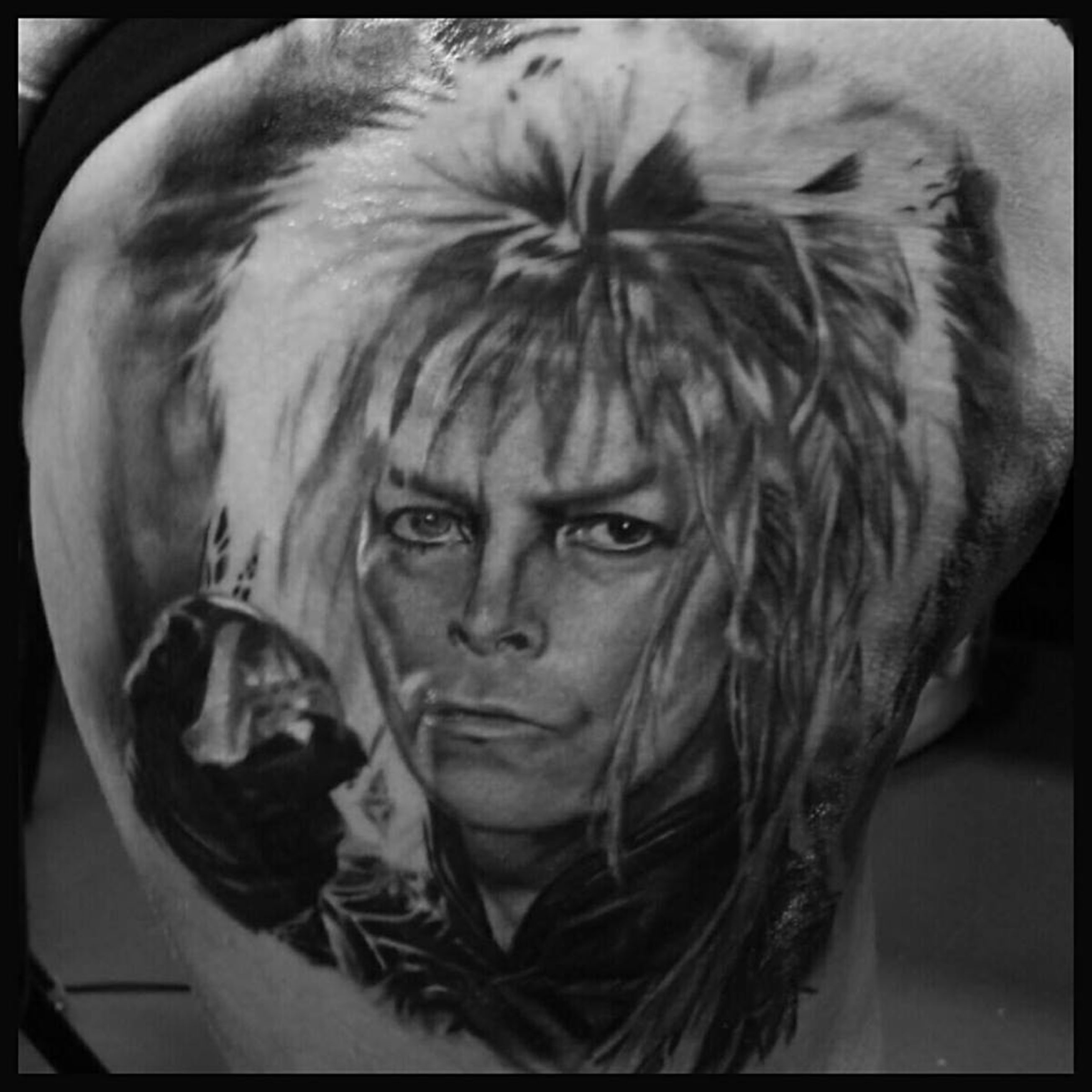img alt=artist-david-bowie-black-grey-tattoo-realistic-tattoo-dallas-tattoo-arti