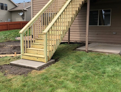 Green treat deck stairs