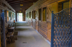 show-barn-outside-stalls