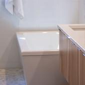 sink-and-bath.jpg