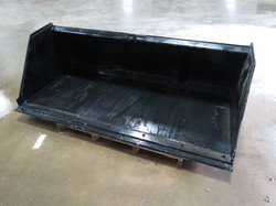Snow and Mulch Bucket with Bolt On Edge (2)