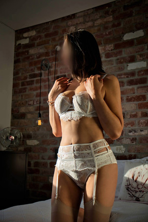 Perth-Escort-Yvette-Bond-0069-White-DVT.