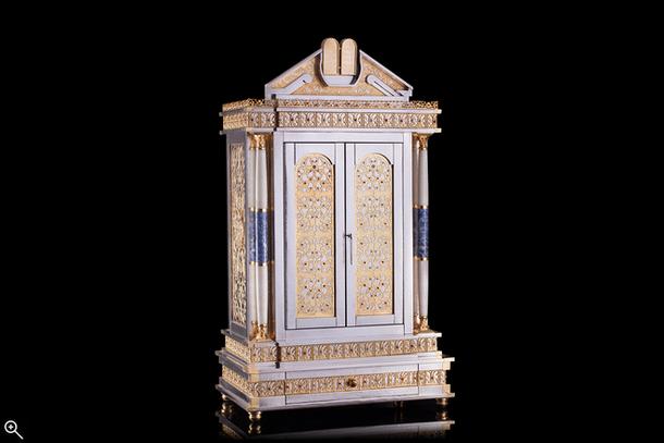 The Creation of a Torah Ark