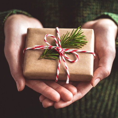3 options for gifting money to children this Christmas