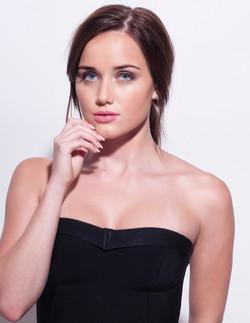 Brunette with natural makeup
