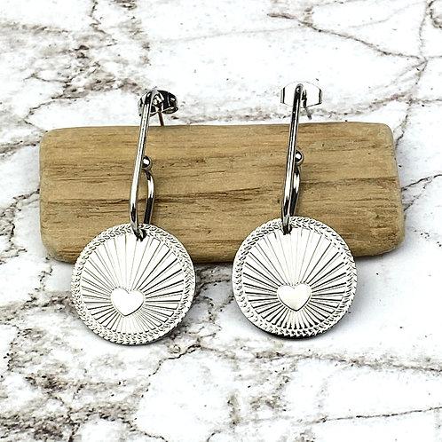 Boucles d'Oreilles Argentées Pendantes Médaille Coeur Acier