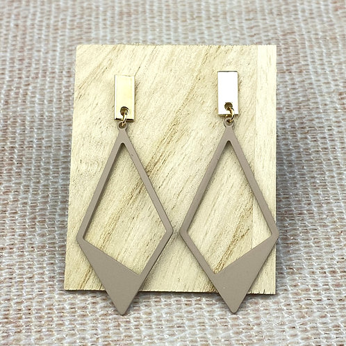 Boucles d'Oreilles Dorées Triangle Beige Poudré