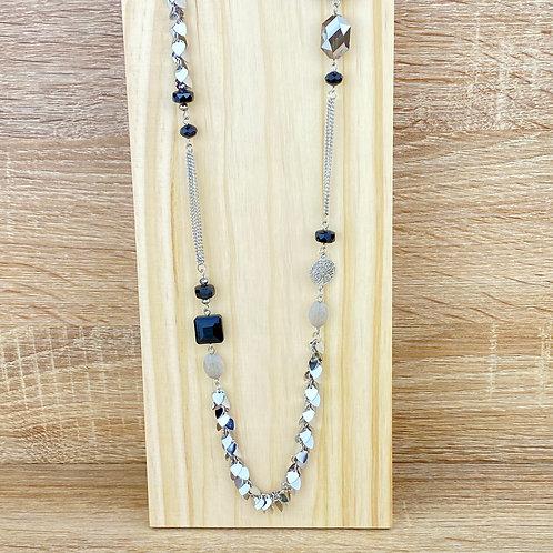 Collier Sautoir Argenté Noir Coeurs Perles Rosaces