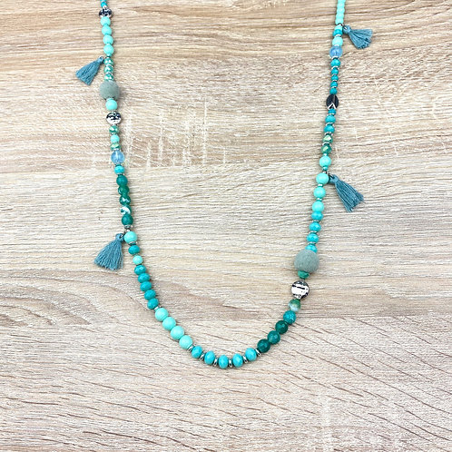 Collier Sautoir Perles Argentées Vertes Pompons