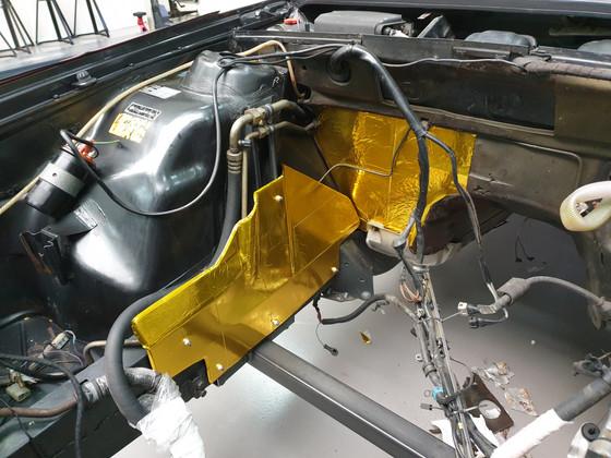 BMW_E24_M635_AUG84_details_208.jpg