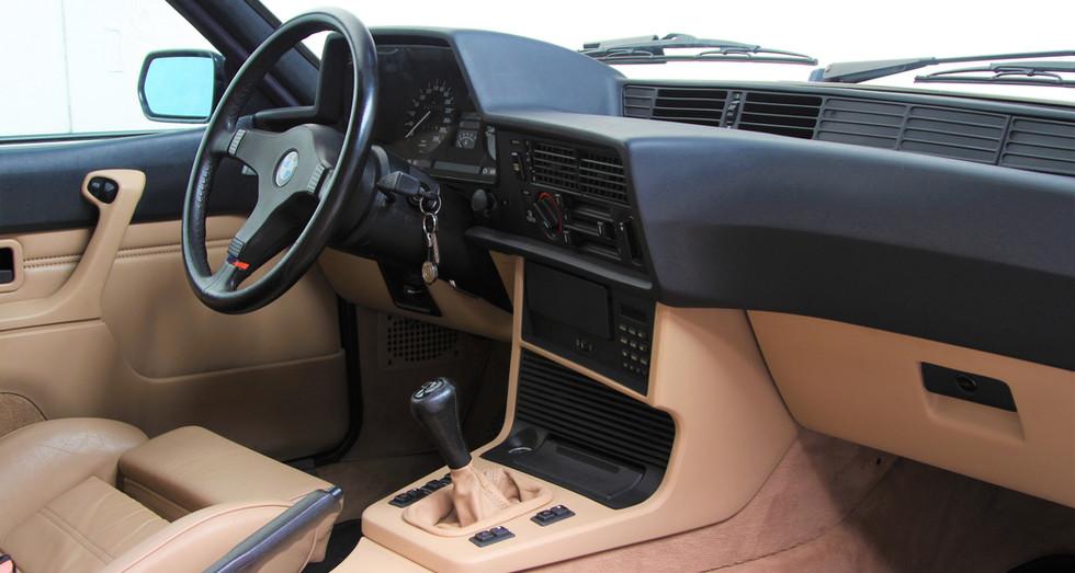 BMW_E24_M635CSI_DEC88_128.JPG
