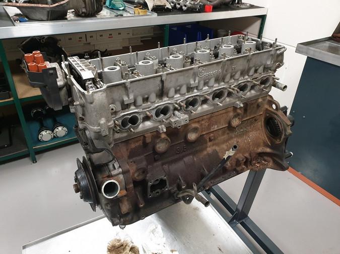 BMW_E24_M635_AUG84_motor_13.jpg