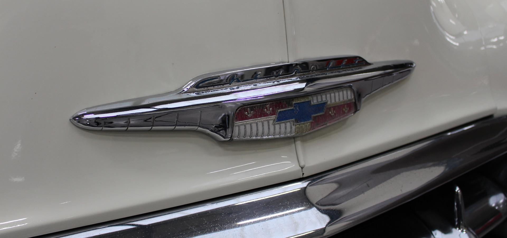 Chevrolet_BelAIr_1953_26.JPG