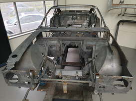 AM_V8_JUN74_chassis_41.jpg