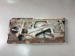 AM_V8_JUN74_chassis_75.jpg