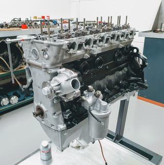 BMW_E24_M635_AUG84_motor_57.jpg
