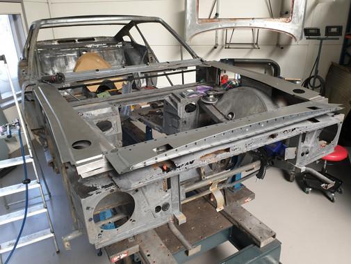 AM_V8_JUN74_chassis_93.jpg