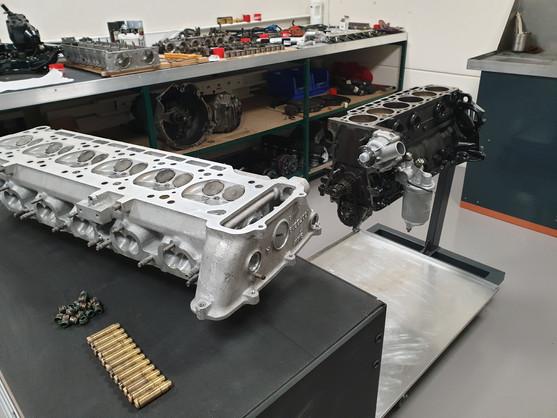 BMW_E24_M635_AUG84_motor_47.jpg