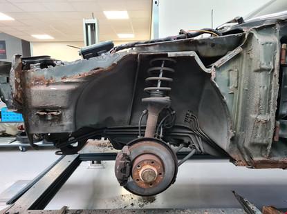 BMW_E24_635CSI_DEC1986_105.jpg