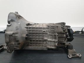 BMW_E24_M635_AUG84_motor_90.jpg