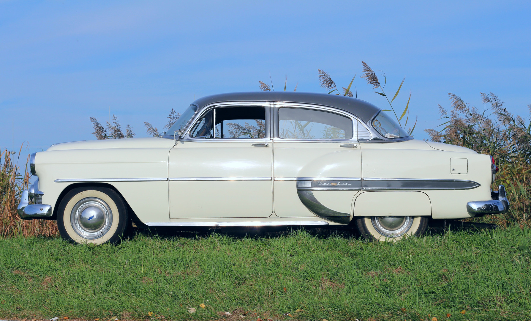 Chevrolet_BelAIr_1953_3.jpg