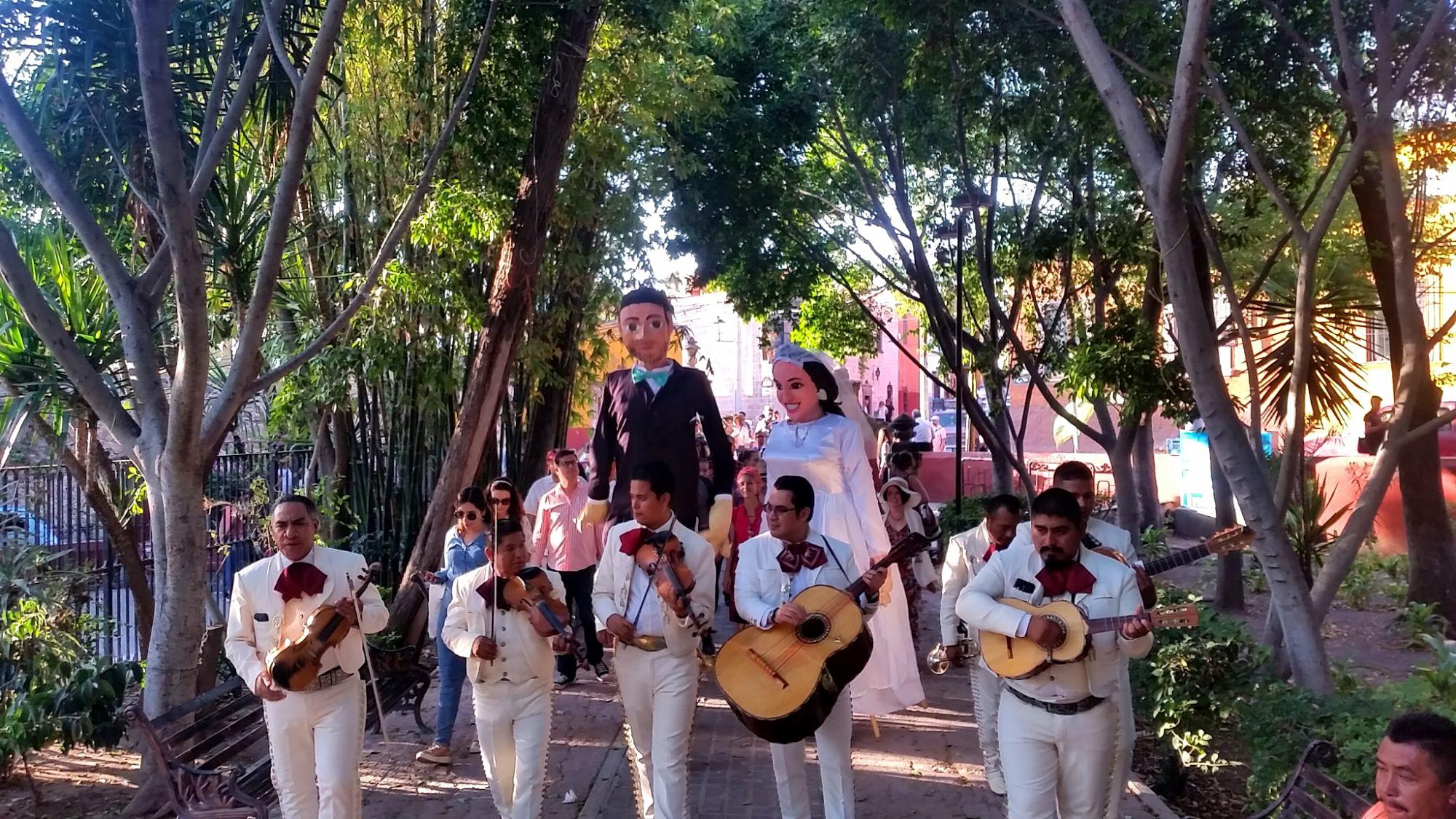 Callejoneada en San Miguel