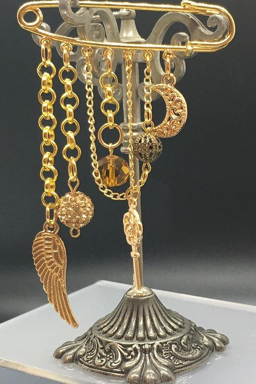 Gold Wing Kilt Pin Brooch