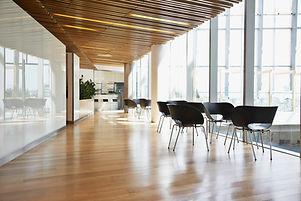 Houten vloer lobby