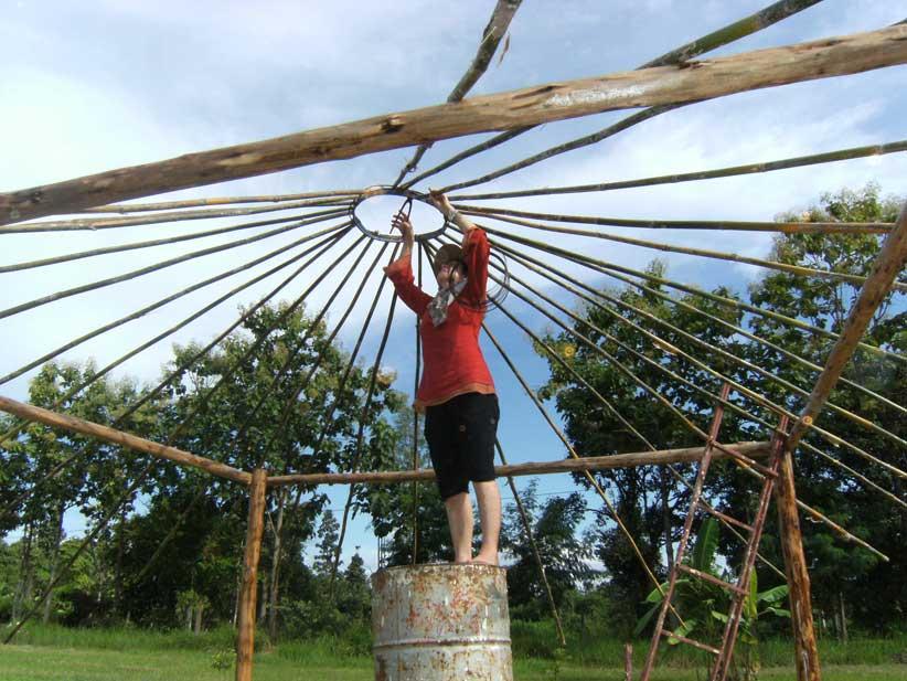 07.Radiating poles