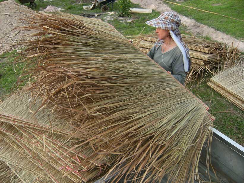 05.-unloading-grass-matting