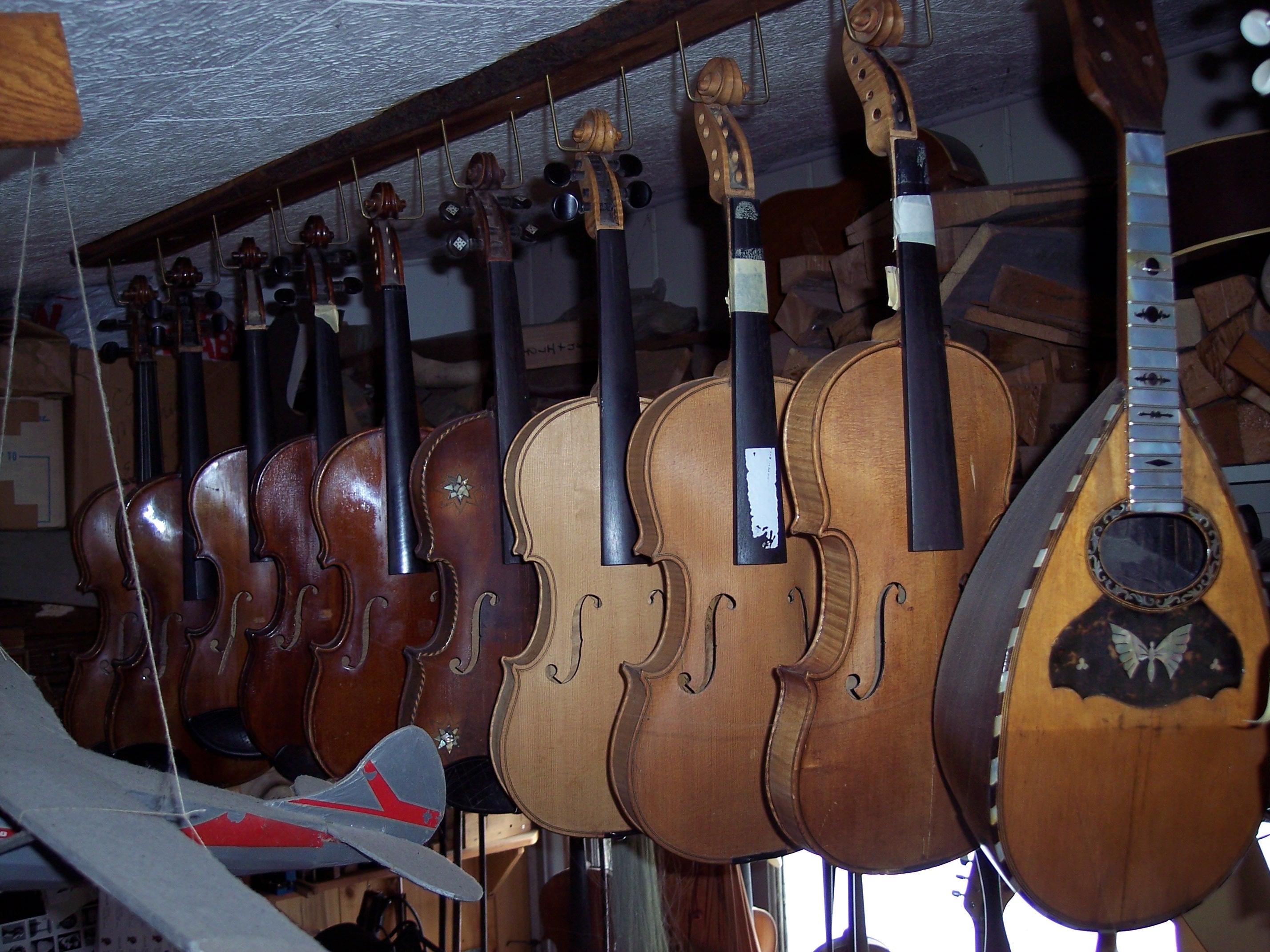 violinshop.JPG