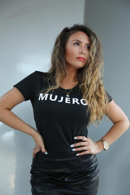 The MUJERÓN Classic Tee