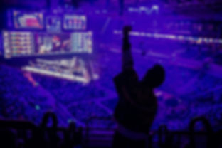 big-esports-event-video-games-fan-on-a-t