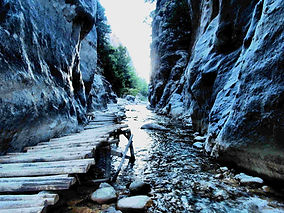Part the River of Samaria Gorge
