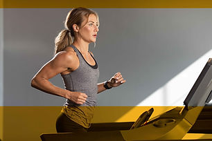 SP819_LIFESTYLE_GYM treadmill_female run