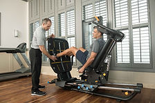 MX19_LIFESTYLE_MEDICAL male w-trainer le
