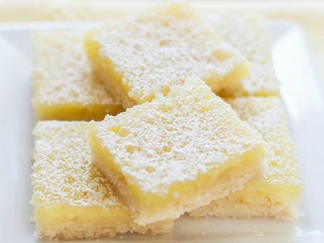 Quadrati di pasta frolla farciti al limone senza lattosio e senza glutine