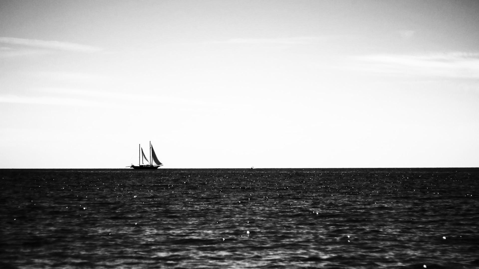 6969213-ocean-sailing.jpg