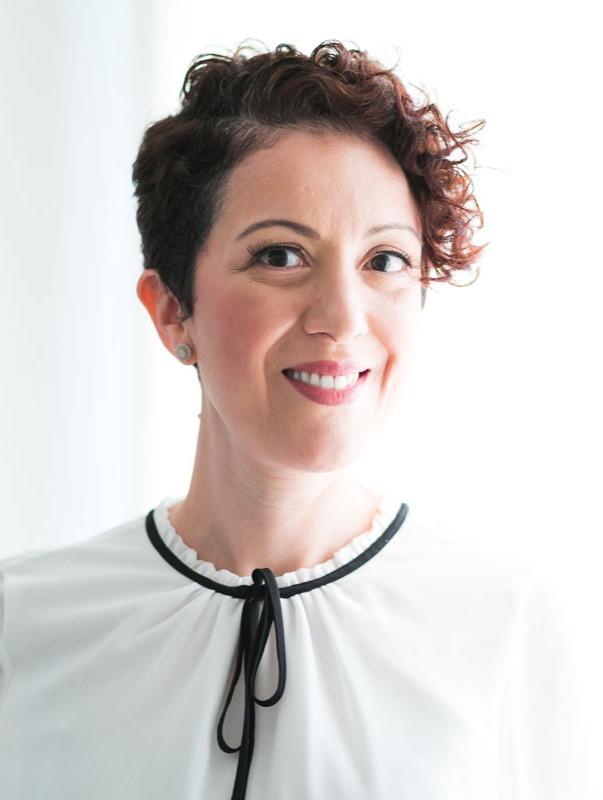 Dra. Helena Oliveira (SP)