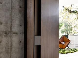 5 Desain Pintu Rumah yang Sesuai dengan Tema Hunian Anda (2)