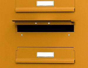 Poštovní schránky v sestavě pro bytové a panelové domy - izolované