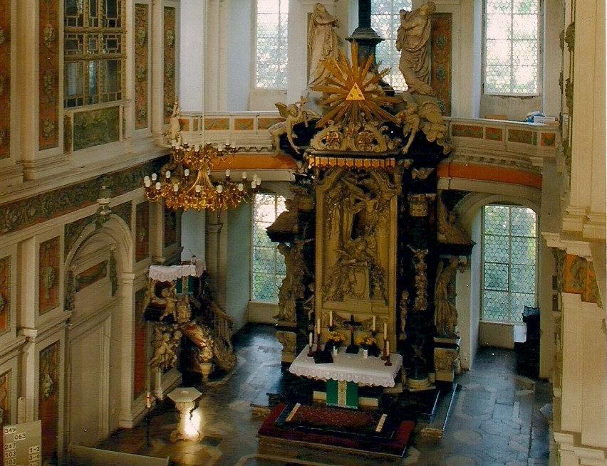 Ansicht_Schlo%C3%83%C2%9Fkirche%3B_Foto_W_edited.jpg