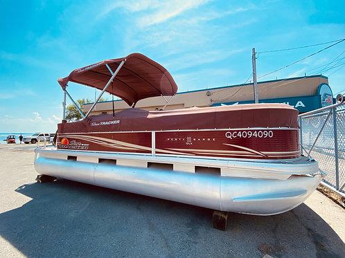 2013 SUNTRACKER PARTY BARGE 22 DLX / MOTEUR MERCURY 90 hp $33,999  SPÉCIAL