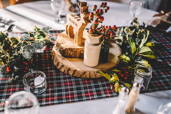Winter Wedding Table Decor Inspiration.j